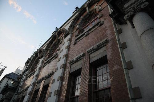 旧唐津银行——砖红色的时光流转