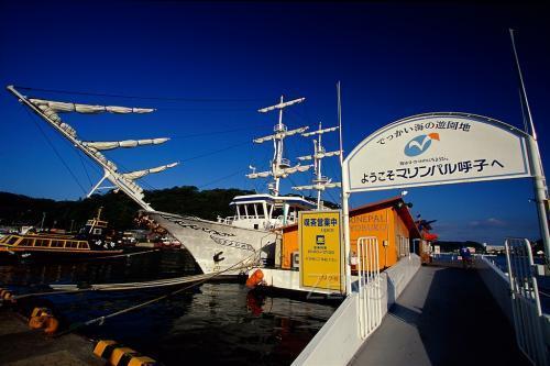 """海中展望船""""ZEELA""""——移动的美丽风景"""