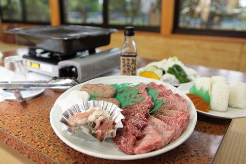 中山牧场——牧场边的BBQ  价廉物正
