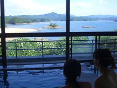 伊吕波岛的美人温泉!?